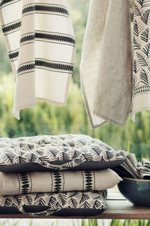 Подушка на стул с рисунком H&M