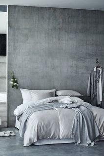 Атласное постельное белье H&M
