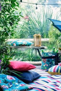 Чехол на подушку с помпонами H&M