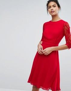 Приталенное платье миди с кружевной талией и рукавами Elise Ryan - Красный