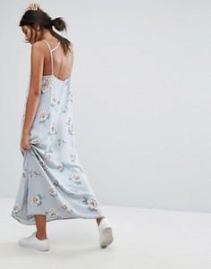 Платье макси с глубоким вырезом сзади и цветочным принтом J.O.A - Мульти