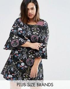 Цельнокройное платье с рюшами на рукавах и принтом в стиле пэтчворк Yumi Plus - Черный