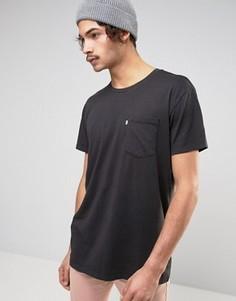 Черная длинная футболка с карманом Levis Line 8 - Черный