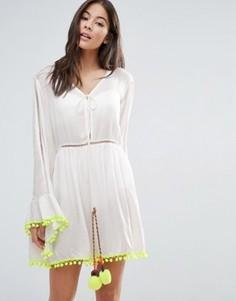 Пляжное платье мини с расклешенными рукавами и помпонами Anmol - Белый