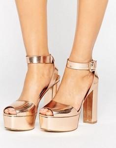 Босоножки цвета розового золота на каблуке и платформе Glamorous - Золотой
