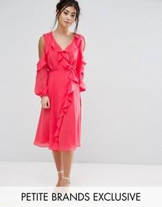 Приталенное платье с открытыми плечами и запахом True Decadence Petite - Розовый