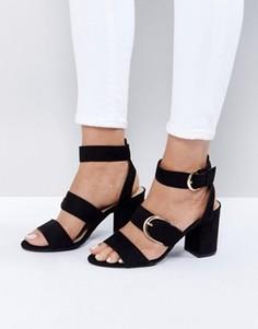 Босоножки на каблуке с пряжкой New Look - Черный