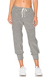 Студенческие брюки в полоску - A Fine Line