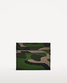 Бумажник для карточек с камуфляжным принтом цвета хаки Zara