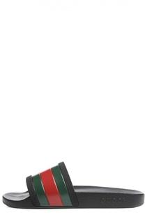 Резиновые шлепанцы с контрастной отделкой Gucci