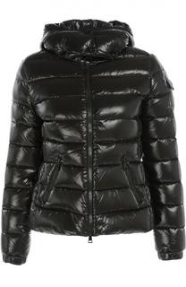Стеганая приталенная куртка с капюшоном Moncler