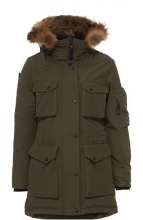 Пуховик с накладными карманами и меховой отделкой Arctic Explorer