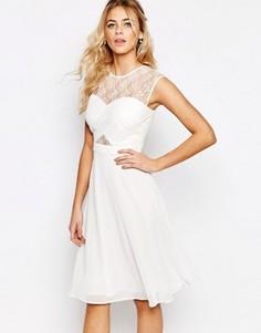 Платье миди с кружевным топом и перекрестным дизайном Elise Ryan - Белый