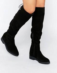 Замшевые сапоги до колен на плоской подошве Pieces Darby - Черный