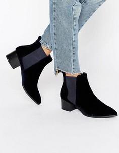 Бархатные полусапожки с заостренным носком Missguided - Темно-синий