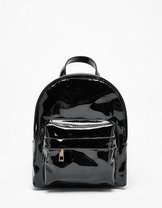 Лакированный мини-рюкзак Bershka