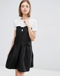 Короткое приталенное платье с вырезом спереди See U Soon - Черный