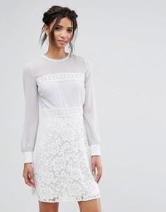 Платье мини с длинными рукавами и кружевной юбкой Elise Ryan - Мульти