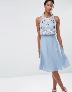 Платье миди с укороченным топом и цветочной отделкой ASOS - Синий