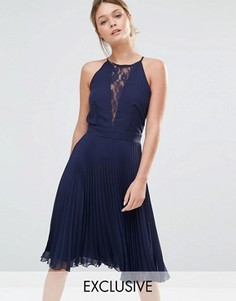 Плиссированное платье миди с кружевной вставкой Elise Ryan - Темно-синий