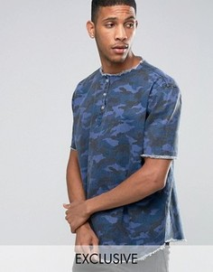 Джинсовая футболка с камуфляжным принтом Liquor & Poker - Темно-синий