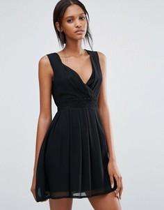 Короткое приталенное платье с серебристой вставкой на талии Jasmine - Черный