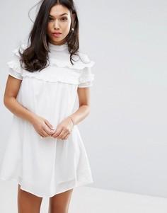 Платье с высоким воротом и двойными оборками Fashion Union - Белый