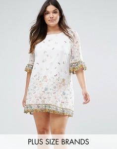Свободное платье с принтом и оборками на рукавах Yumi Plus - Белый
