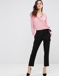 Тканые брюки галифе с запахом и завязкой ASOS - Черный