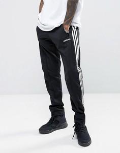 Суженные книзу джоггеры черного цвета adidas Originals London Pack BQ9369 - Черный