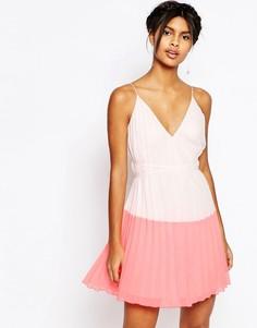 Платье мини в стиле колор блок ASOS - Розовый