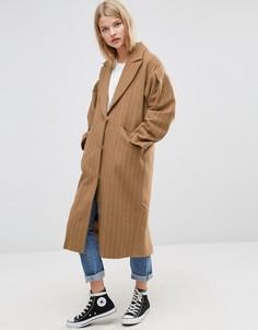 Пальто с эффектными рукавами в полоску ASOS - Коричневый