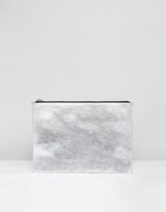Кожаный клатч металлик на молнии ASOS - Серебряный