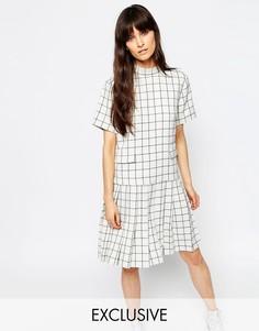 Плиссированное платье с короткими рукавами и воротником-стойкой Le Kilt for ASOS - Мульти
