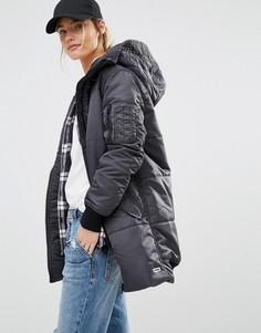 Длинная дутая куртка с подкладкой из искусственного меха на капюшоне Converse - Черный