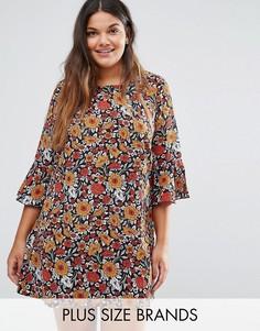 Цельнокройное платье с рукавами рюшами и цветочным принтом Yumi Plus - Красный