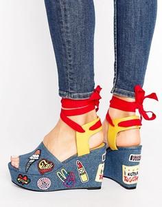 Джинсовые сандалии на танкетке с нашивками Tommy Hilfiger Gigi Hadid - Мульти