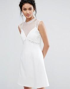 Платье-трапеция с сеткой в горошек и кружевом Elise Ryan - Белый