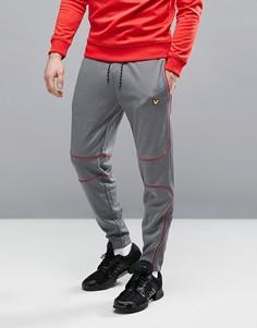 Серые узкие спортивные штаны с контрастным кантом Lyle & Scott Fitness Law - Серый