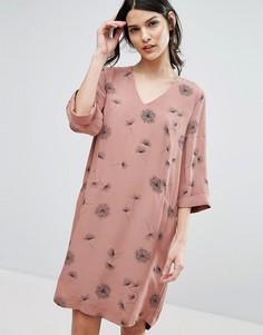 Платье с принтом одуванчиков Selected - Розовый