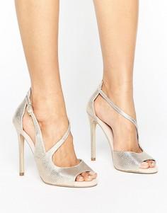 Босоножки на каблуке с асимметричными ремешками и эффектом металлик Carvela Geep - Золотой