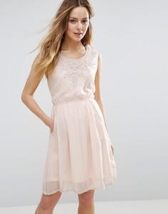 Платье с отделкой кроше у горловины Jasmine - Бежевый
