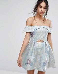Короткое приталенное платье с открытыми плечами Missguided - Синий