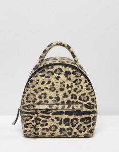 Маленький рюкзак с леопардовым принтом ASOS - Мульти
