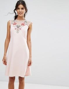 Платье-трапеция с цветочной аппликацией Elise Ryan - Розовый