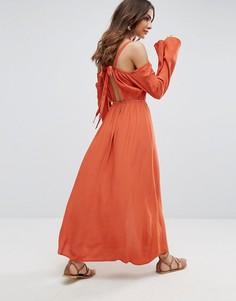 Платье макси с открытыми плечами Somedays Lovin Endless Trail - Красный