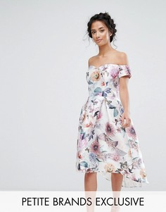 Платье миди с открытыми плечами и сплошным принтом Chi Chi Petite - Розовый