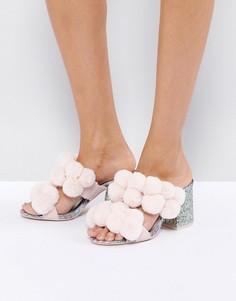 Босоножки на каблуке с помпоном ASOS HOT TOPIC - Розовый