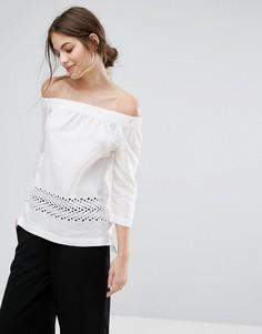 Топ с открытыми плечами и кружевной отделкой Selected - Белый