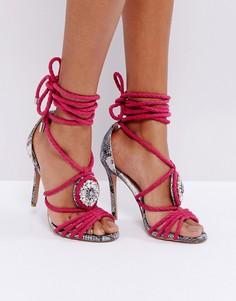 Декорированные босоножки на каблуке с контрастным змеиным узором Forever Unique - Розовый